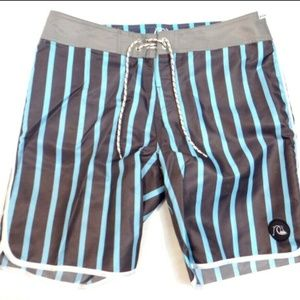 Quiksilver Speed Lines Board shorts Gray size 38